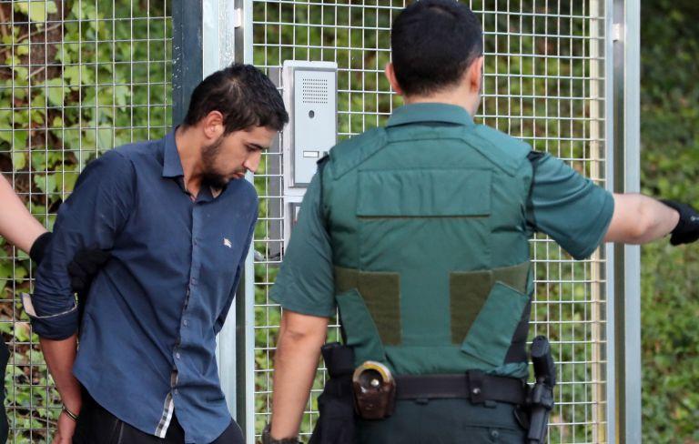 Ενώπιον της Δικαιοσύνης οι 4 δράστες των επιθέσεων στην Καταλονία   tovima.gr