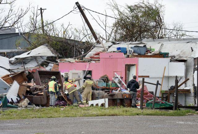 ΗΠΑ: Μεγάλες καταστροφές προκάλεσε στο περασμά του ο τυφώνας Χάρβεϊ   tovima.gr