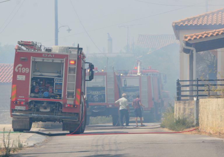 Ζάκυνθος : Υπό έλεγχο τα πύρινα μέτωπα – Φόβοι για αναζωπυρώσεις | tovima.gr