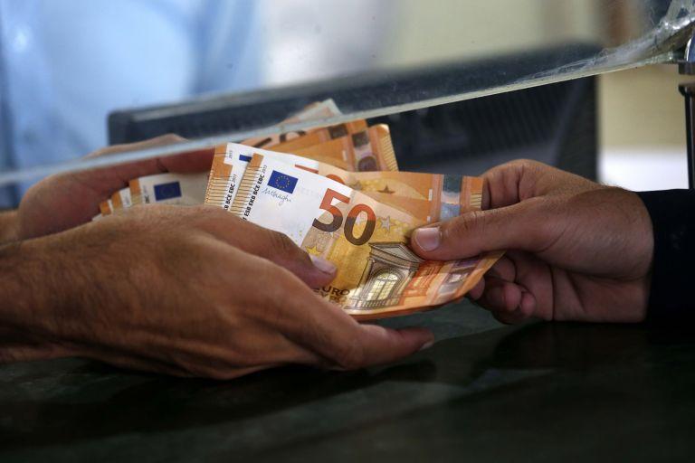 Πάνω από 5,3 δισ. ευρώ για τους επόμενους 3 μήνες καλούνται να πληρώσουν τα νοικοκυριά | tovima.gr