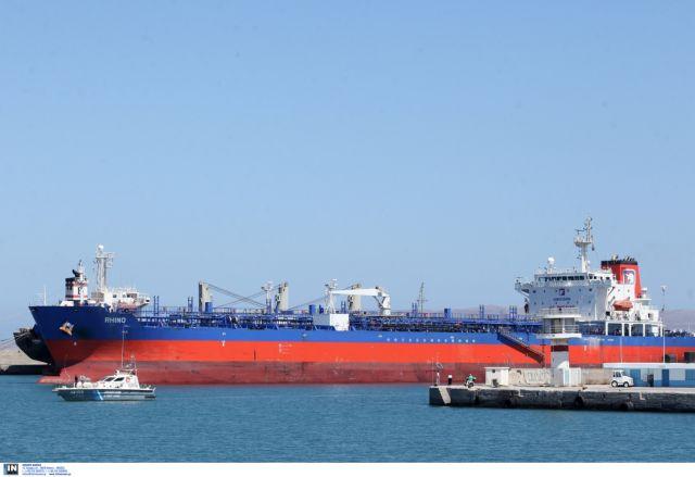 Βύθιση δεξαμενόπλοιου στον Σαρωνικό με άγνωστη ποσότητα καυσίμων   tovima.gr