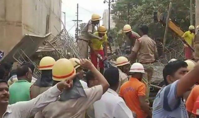 Ινδία: Τουλάχιστον ένας νεκρός από κατάρρευση ανισόπεδης γέφυρας | tovima.gr