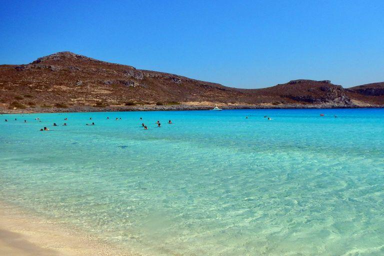 Ελλάδα: Βραβεύτηκε ως ο κορυφαίος προορισμός με τις καλύτερες παραλίες της Ευρώπης | tovima.gr