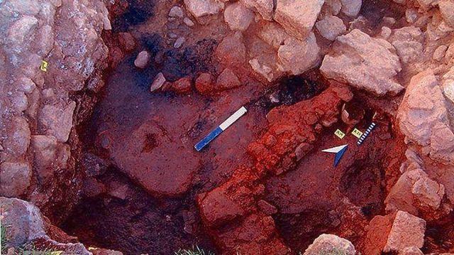 Aγνωστοι αφαίρεσαν απολιθωμένα ίχνη στον Κίσσαμο   tovima.gr