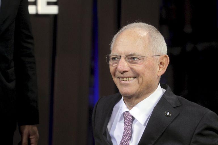 Πιέσεις Συντηρητικών σε Σόιμπλε να αναλάβει την προεδρία της Bundestag | tovima.gr