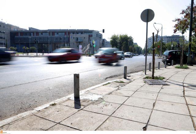 Θεσσαλονίκη: Νεκρός οδηγός μοτοσικλέτας σε τροχαίο | tovima.gr