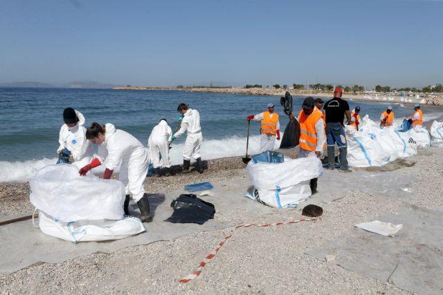 Λιμενικό:Σταδιακή αφαίρεση πλωτών φραγμάτων | tovima.gr