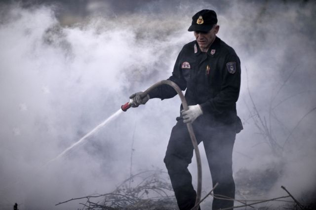 Τρεις φωτιές στην Ηλεία Απειλείται η κοινότητα Μάκιστος | tovima.gr