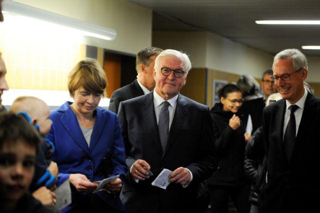 Σταϊνμάγερ: Οι εκλογές αφορούν το μέλλον της Ευρώπης, «όχι» στην αποχή | tovima.gr