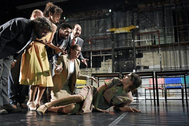 «Το Φιντανάκι» σε σκηνοθεσία Αζά στο Εθνικό Θέατρο | tovima.gr