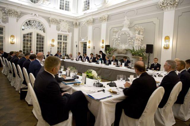Παρέμβαση Τσίπρα στο δείπνο των ηγετών της ΕΕ | tovima.gr