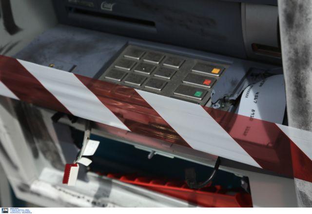 Ανατίναξαν ΑΤΜ στο Κρυονέρι-Αρπαξαν άγνωστο χρηματικό ποσό | tovima.gr