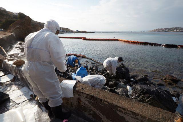 Τα περισσότερα πλωτά φράγματα απορρύπανσης έχουν αποσυρθεί | tovima.gr