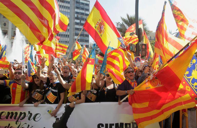 Καταλωνία: Σάλος από την απειλή κατά της ζωής του Πουτζντεμόν στην περίπτωση που ανακηρύξει ανεξαρτησία | tovima.gr
