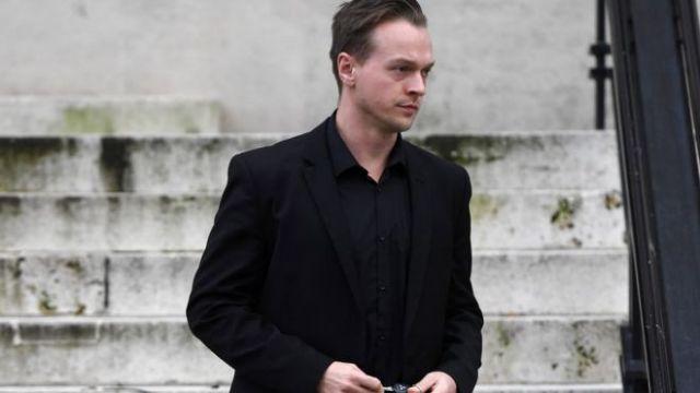 Βρετανία: Κατηγορείται για το φόνο της κόρης του   tovima.gr