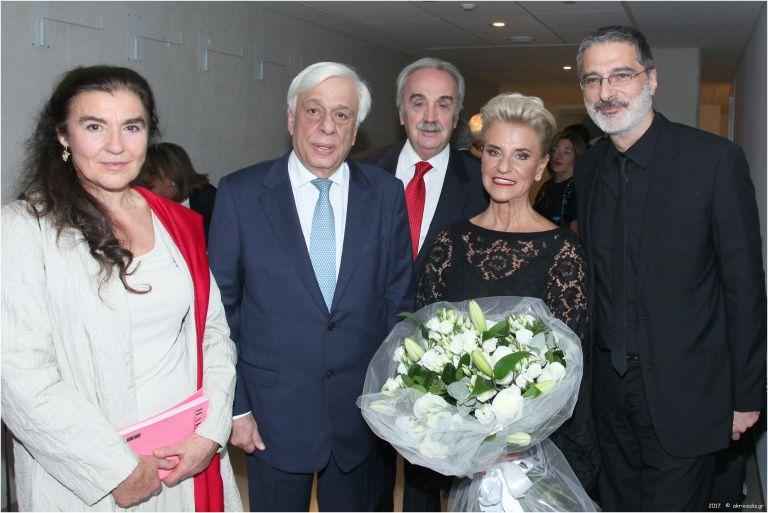 «Ηλέκτρα»: Ποιες προσωπικότητες συναντήθηκαν στην επίσημη Πρώτη   tovima.gr