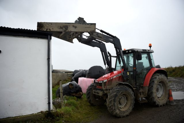 Iρλανδία: Τρείς νεκροί από την καταιγίδα Οφηλία | tovima.gr