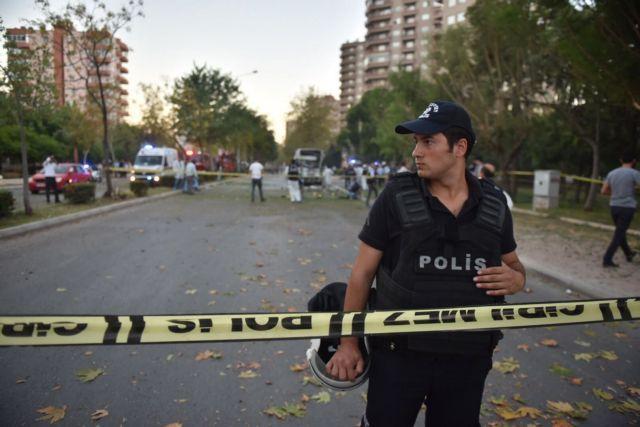 Τυνησία: Συνελήφθη ισλαμιστής που μαχαίρωσε δύο αστυνομικούς | tovima.gr
