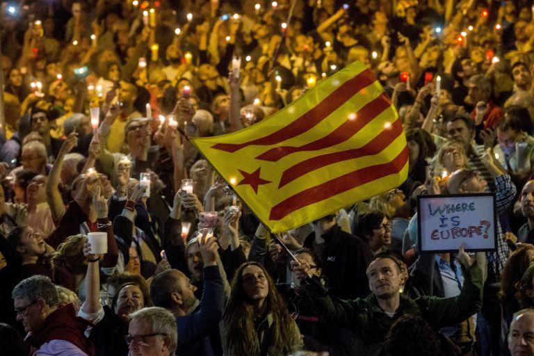 Κρίσιμες ώρες για την Καταλωνία – Προκηρύξτε εκλογές διαμηνύει η Ισπανία | tovima.gr