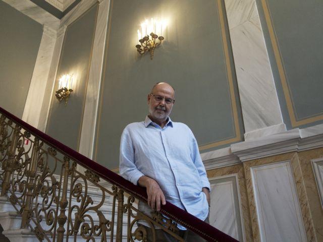 Γιάννης Χουβαρδάς: «Στην Ελλάδα υπάρχουν μόνο υπερεκτιμημένοι»   tovima.gr