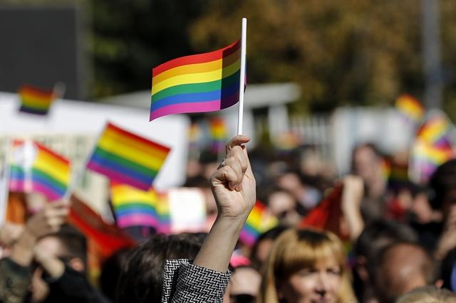 «Εχθρός» οι ομοφυλόφιλοι στην Πολωνία | tovima.gr