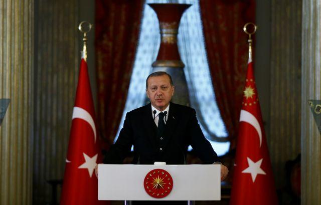 Σε εκκαθαρίσεις προχωρά ο Ερντογάν στο AKP | tovima.gr