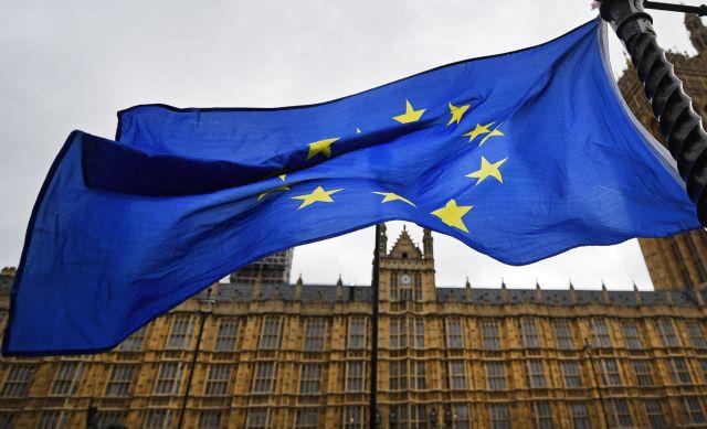 Times: «Βλέπουν» ρωσική παρέμβαση υπέρ του Brexit | tovima.gr