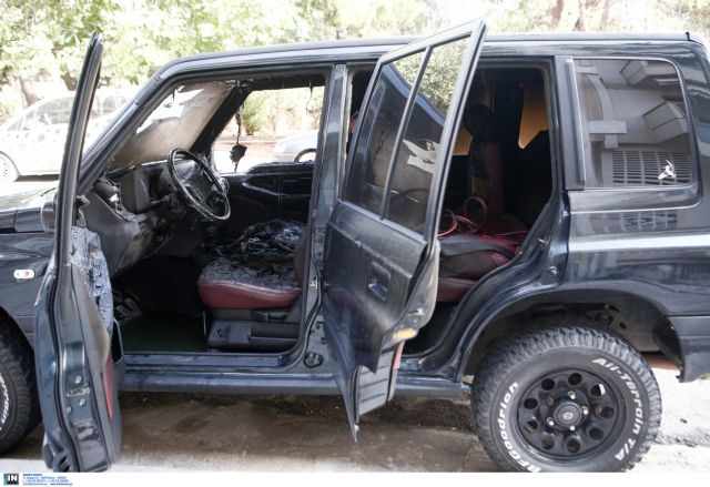 Πυρπόλησαν δύο αυτοκίνητα στου Ζωγράφου | tovima.gr