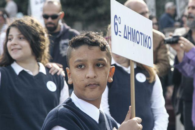 Επίθεση με πέτρες στο σπίτι του 11χρονου Αμίρ | tovima.gr
