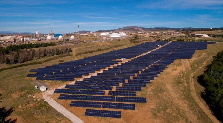 ΕΛΠΕ Ανανεώσιμες: Σε δοκιμαστική λειτουργία τρία νέα φωτοβολταϊκά πάρκα | tovima.gr