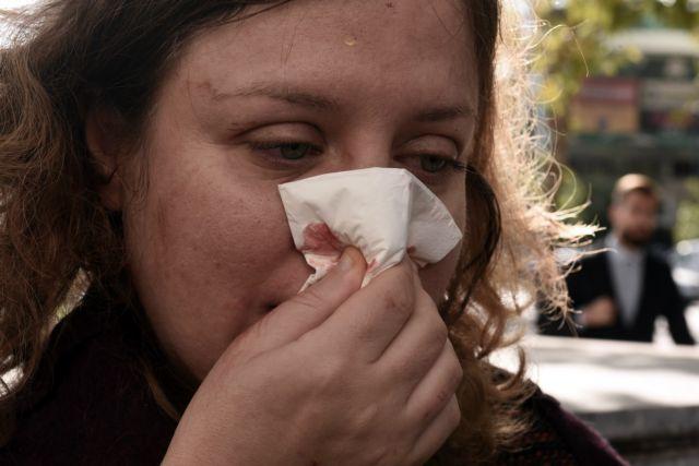 Επίθεση χρυσαυγιτών σε δύο γυναίκες που προσέρχονταν στη δίκη | tovima.gr