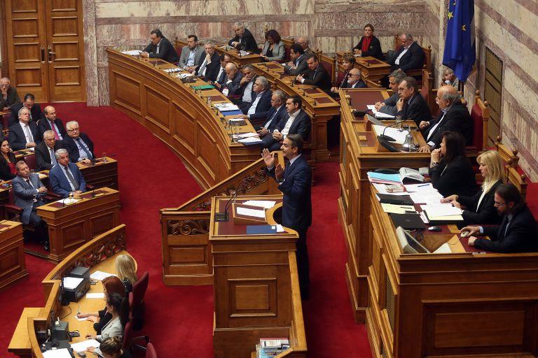 Στο επίκεντρο της σύγκρουσης Τσίπρα- Μητσοτάκη η υπόθεση Αυγενάκη και ο νόμος Παρασκευόπουλου   tovima.gr
