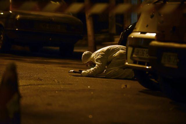 Η «Επαναστατική Αυτοάμυνα» πίσω από την νέα επίθεση σε αστυνομικούς των ΜΑΤ στα Εξάρχεια έξω από τα γραφεία του ΠαΣοΚ   tovima.gr