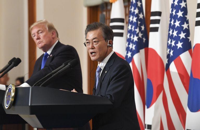 Τραμπ – Μουν: Τηλεφωνική επικοινωνία για την σύνοδο ΗΠΑ – Β. Κορέας | tovima.gr