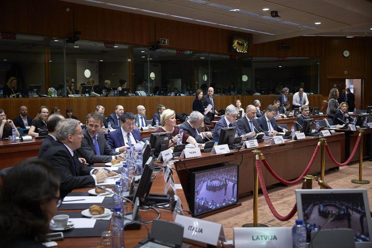 Στο «τραπέζι» του Ecofin τα κόκκινα δάνεια | tovima.gr