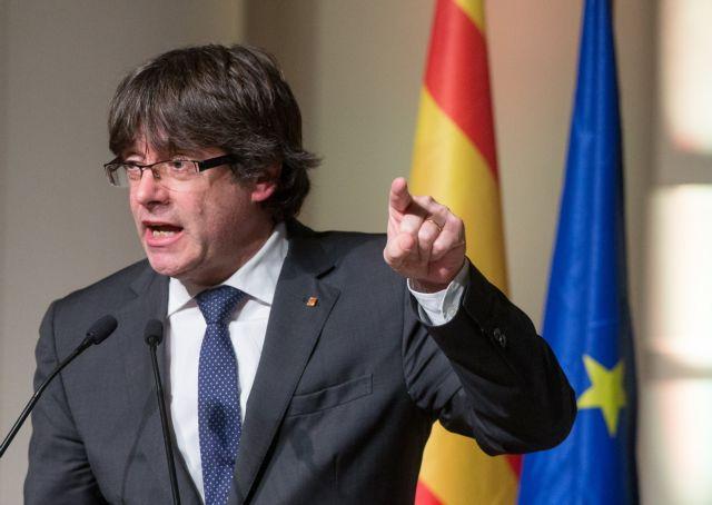 Ως θύμα πολιτικής δίωξης θα εμφανισθεί ο Πουτζδεμόν | tovima.gr
