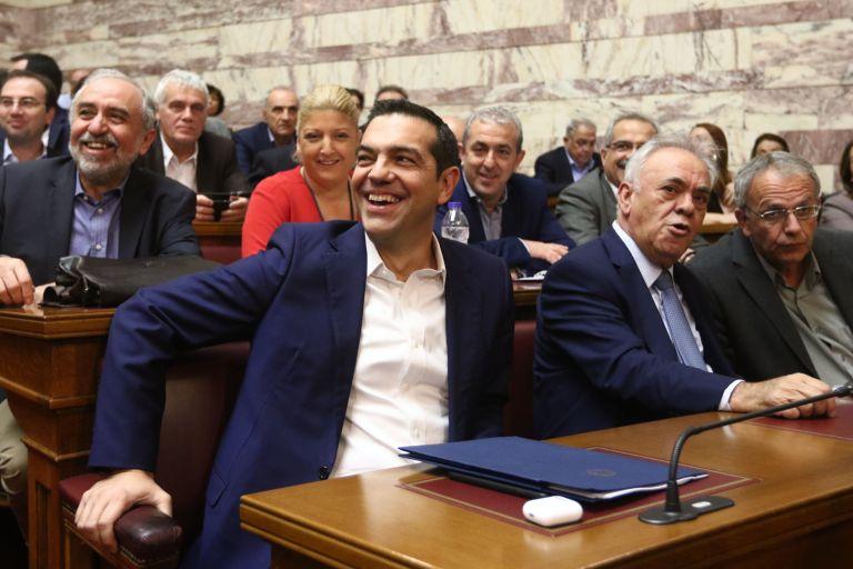 Tsipras rallies parliamentary group | tovima.gr