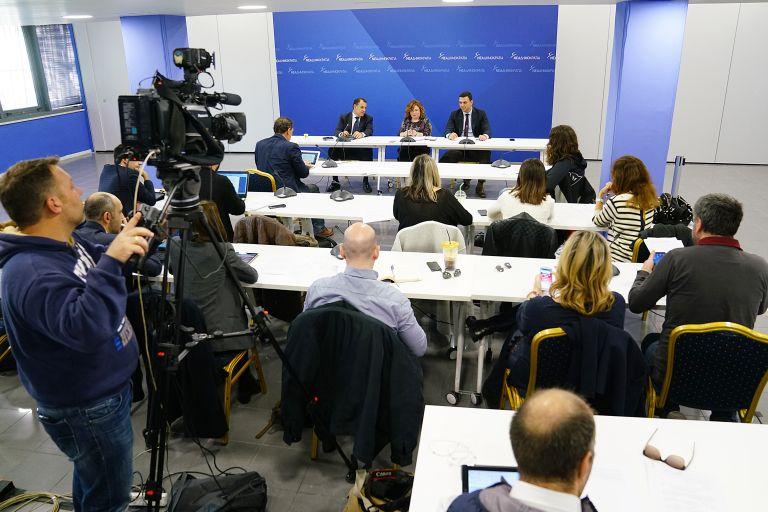 Εξηγήσεις για το πολεμικό υλικό στα χέρια τρομοκρατών ζητά η ΝΔ   tovima.gr