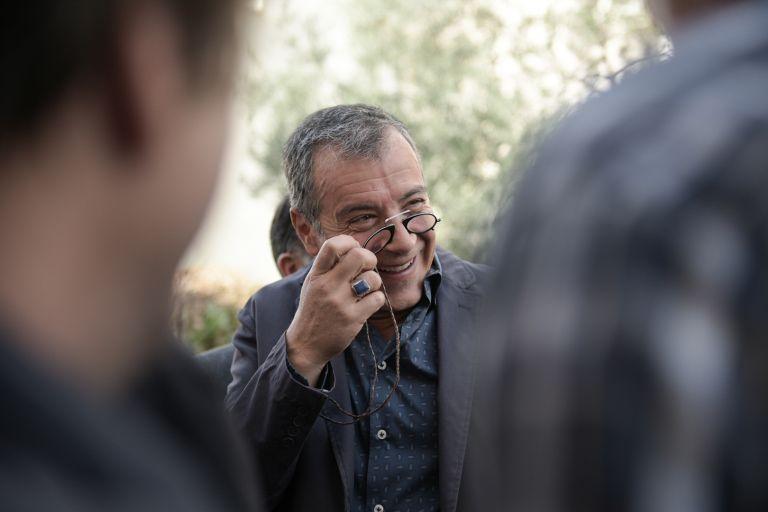 Θεοδωράκης: Γιατί χαίρονται οι υπουργοί και χαμογελούν, φορολογούμενε; | tovima.gr