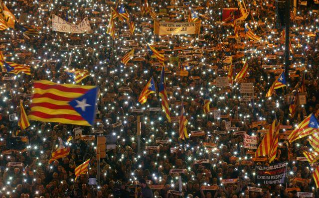 FT: Η Καταλωνία η σοβαρότερη πολιτική κρίση στην Ισπανία   tovima.gr
