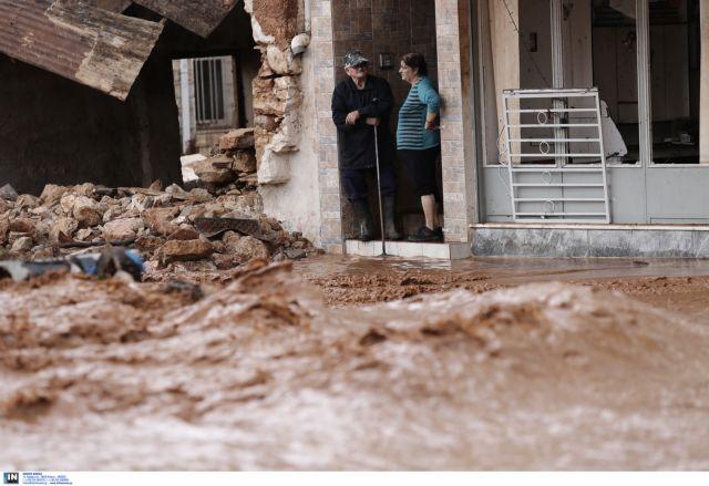 Οι υδάτινοι εφιάλτες της Μάνδρας ξαναζωντάνεψαν, με νεκρούς, τραυματίες και σωρεία ευθυνών | tovima.gr