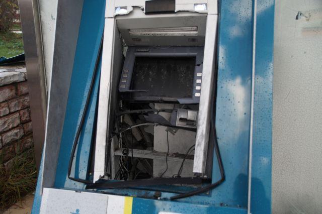 Κανάλι Πρεβέζης: Ανατίναξαν ΑΤΜ και διέφυγαν με κλεμμένο αυτοκίνητο | tovima.gr