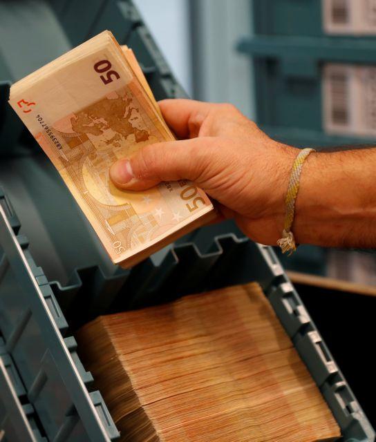 Γεμίζουν ξανά με καταθέσεις τα «σεντούκια» των τραπεζών | tovima.gr