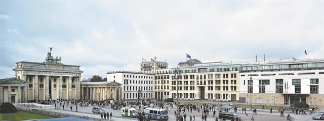 Η ανακατασκευή της αρχιτεκτονικής και η αναπαλαίωση της Ιστορίας | tovima.gr