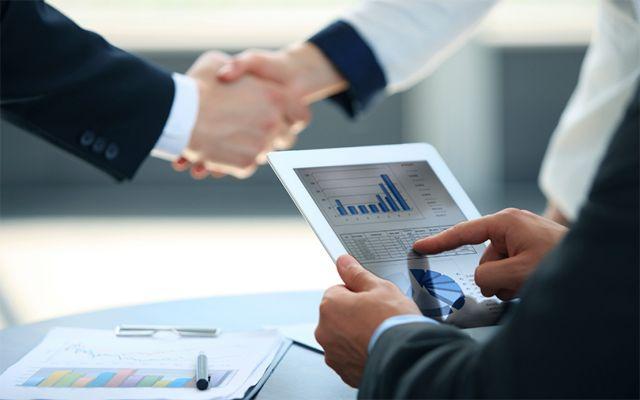Ποιες επιχειρήσεις επιδοτούνται από το «Επιχειρούμε Έξω» | tovima.gr