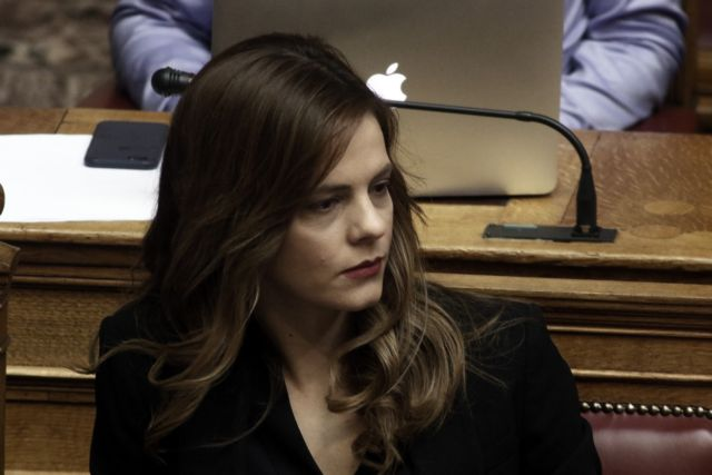 Αχτσιόγλου: Το 32% του πληθυσμού θα λάβει το κοινωνικό μέρισμα | tovima.gr