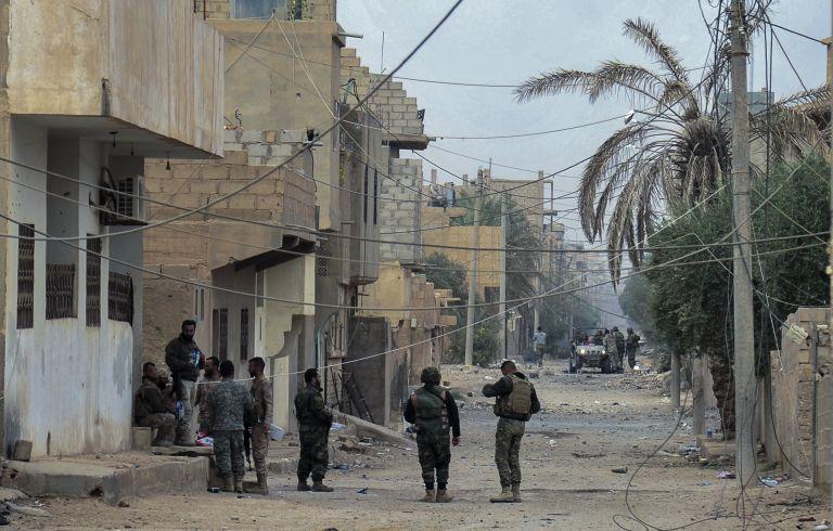 Συρία: 340.000 και πλέον άνθρωποι έχουν χάσει τη ζωή τους από τον πόλεμο   tovima.gr