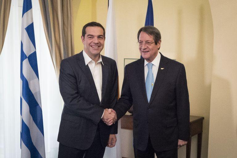 Στην Κύπρο σήμερα ο Πρωθυπουργός Αλέξης Τσίπρας για την τριμερή | tovima.gr