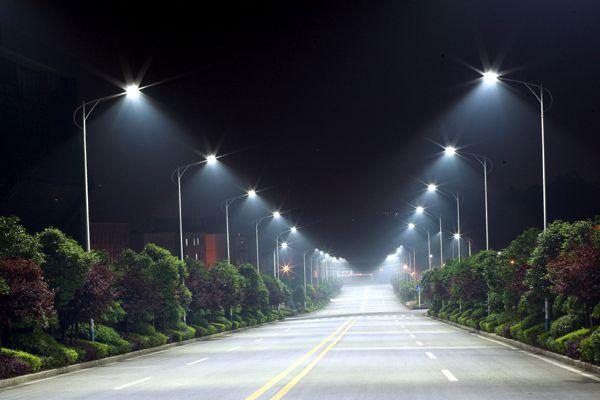 Oι λάμπες LED έχουν κάνει τη νύχτα μέρα | tovima.gr