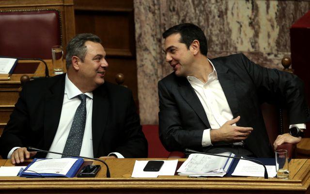 Ο Τσίπρας και οι… μεσάζοντες | tovima.gr